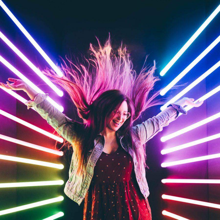 light-fun-hair-neon-woman-dance-enjoy-happy-hippie-exhausted_t20_zWwpAa